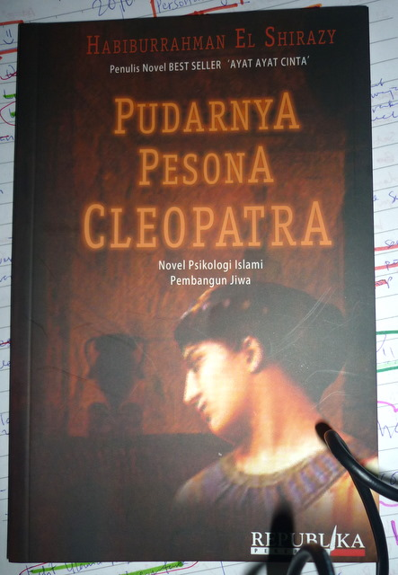 download novel pudarnya persona cleopatra full pdf quran